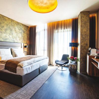 Nutrend World Hotel